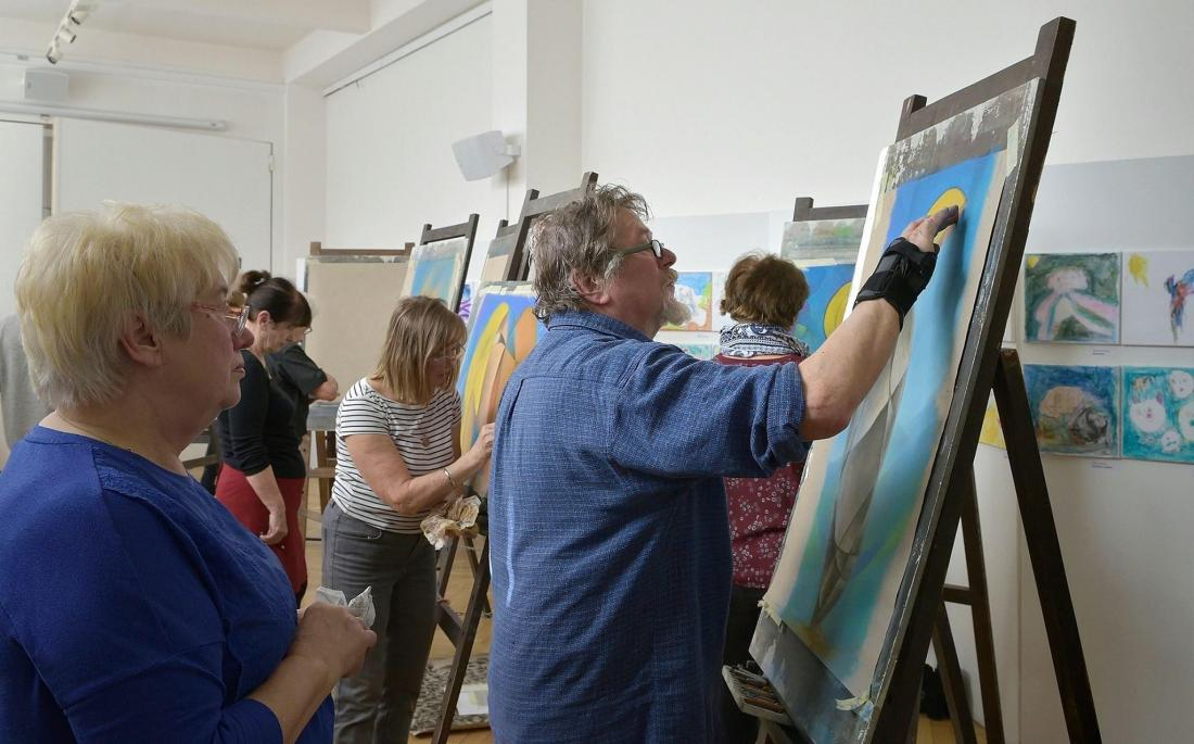 Creative workshop for complete art beginners